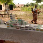 La consegna dei farmaci e dell'elettrocardiografo